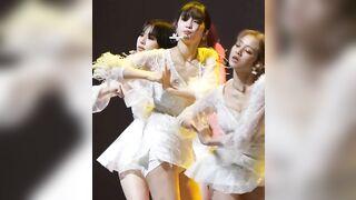 Twice - Momo areola slip - K-pop