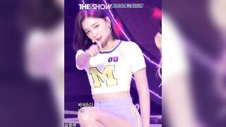 Nancy-Momoland - K-pop