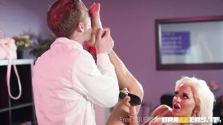 Huge Breasts and Butts: Can You Feel That Sienna Day